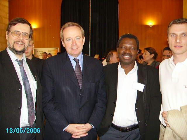 Denis Steffen, Renaud Donnedieu de Vabres ministre, Radio Harmonie, Radio Albatros