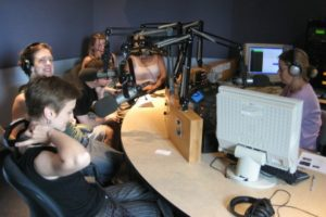 Bénévoles en studio